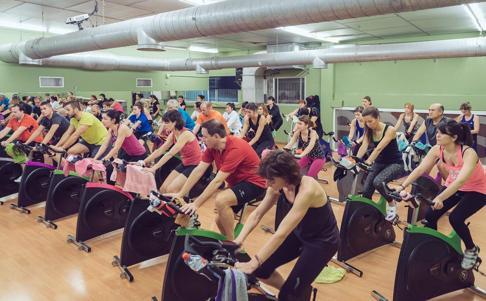 ciclismo indoor en alameda centro deportivo huesca